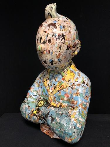 """TINTIN Bras croisés - """"Le Manteau de l'enfance"""" Etoile Mystérieuse (60 cm)"""
